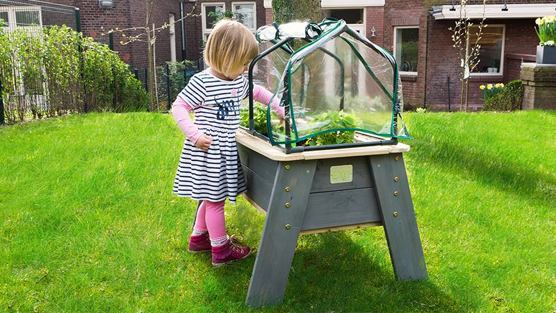 Nice things to do with your kids: gardening