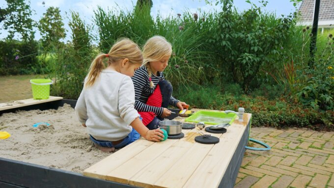 Six fun and play ideas for in your sandpit