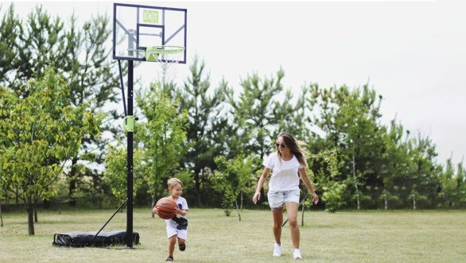What are the differences between the basketball systems from EXIT Toys?