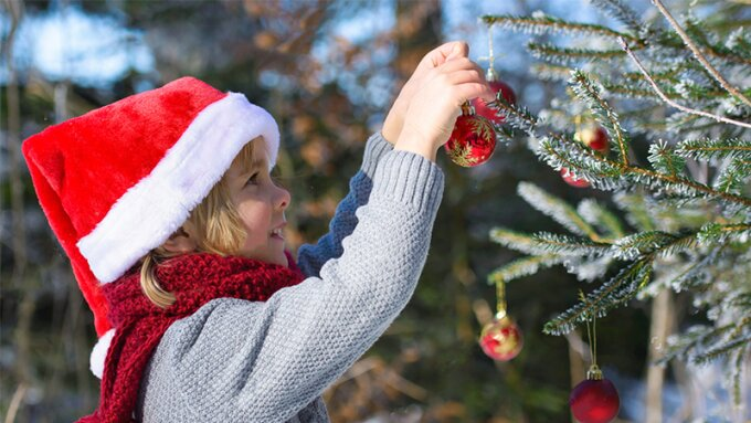 The most fun Christmas games for outside