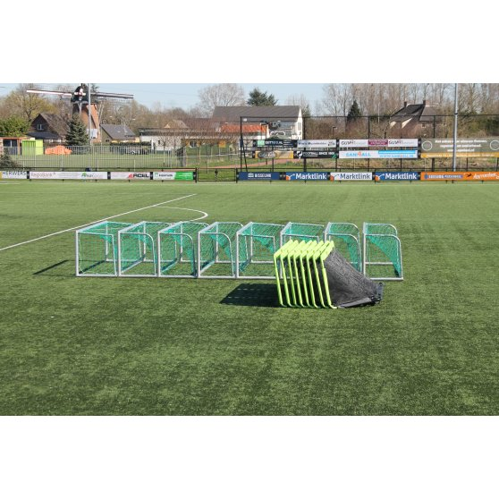 41.20.11.00-exit-gio-steel-football-goal-300x100cm-set-of-2-green-black-4