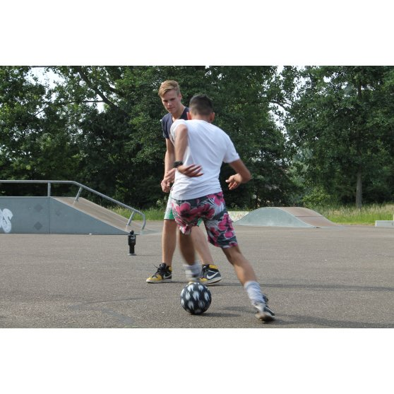 45.04.10.00-exit-striker-street-football-set-of-4-5